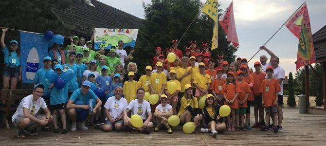 """Kurčių ir neprigirdinčių vaikų bei jų brolių ir seserų meninė edukacinė, savarankiško gyvenimo įgūdžių ugdymo, sveikatinimo, pilietiškumo ir patriotiškumo ugdymo vasaros poilsio stovykla """"Pagaviukas"""" 2018.  Ši stovykla – tai tradicinis, bendrijos PAGAVA organizuojamas renginys, kasmet sukviečiantis klausos negalią turinčius vaikus iš visos Lietuvos"""