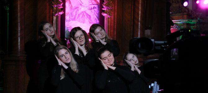 Kalėdinis giesmių koncertas su vertimu į gestų kalbą